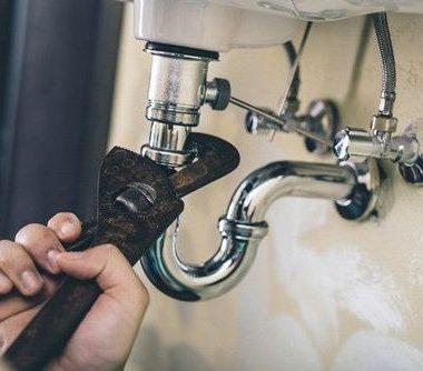 fuite d'eau au niveau d'un raccord