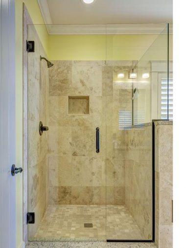 Comment installer des panneaux de douche
